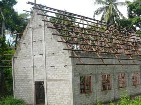 kerk Andakapeta in aanbouw